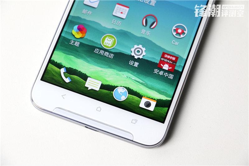 HTC X9 откровенно позирует на свежих фото