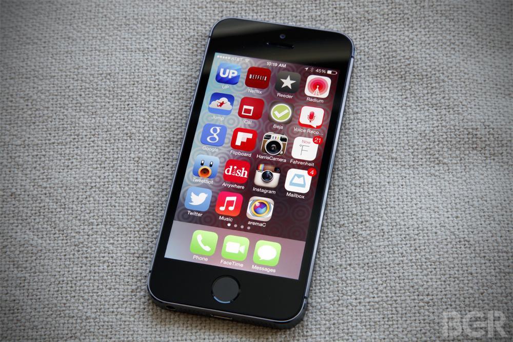 Айфон 5s. Доступный смартфон от Apple.