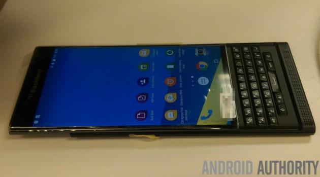 Blackberry Venice на новых фото