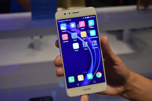 Huawei представила смартфон Honor 8
