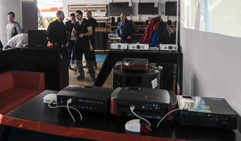 Acer и «М.Видео» открывают совместную демо-зону по проекторам