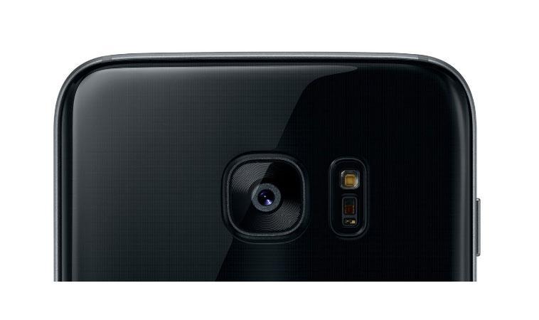 Samsung отказалась от двойной камеры в Galaxy S8