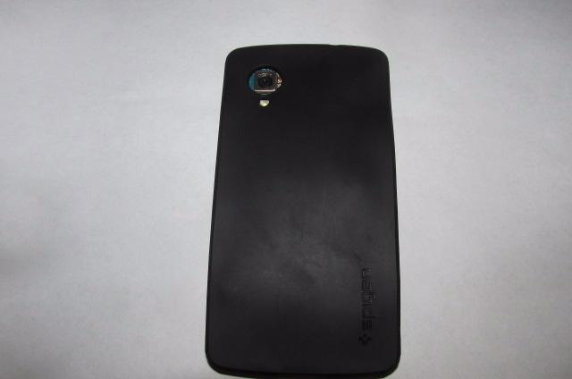 Парень просто добавил слот MicroSD в Nexus 5