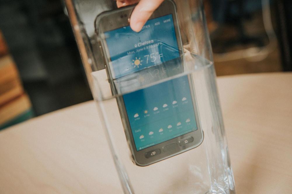 Samsung исправляет проблему протекания Galaxy S7 Active