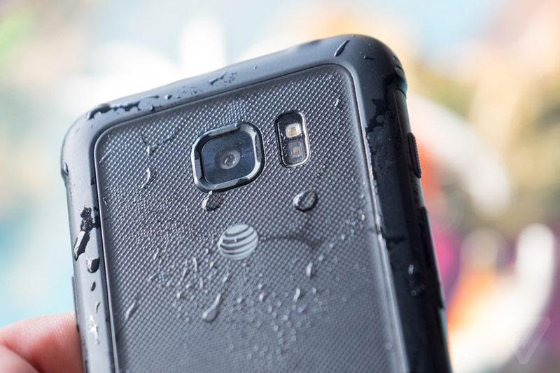 Водонепроницаемый Samsung Galaxy S7 Active не справился с заданием