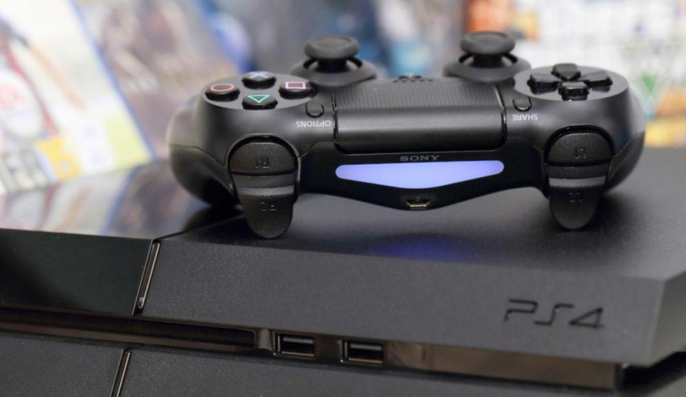 Sony Playstation 4 продаётся значительно лучше Xbox One