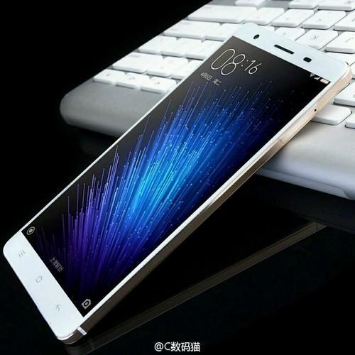 Xiaomi Mi Max и Mi Band 2 на хороших фото