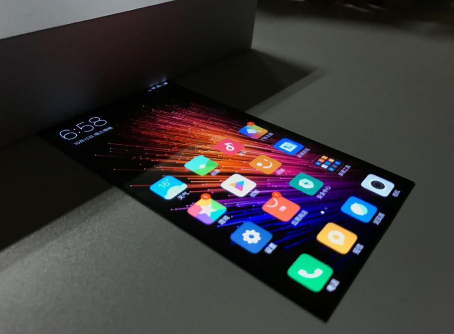 Видео работы прототипа Xiaomi с гибким дисплеем