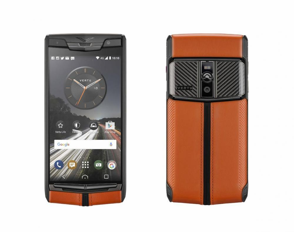 Vertu представила  новейший флагман Signature Touch Carbon Sport