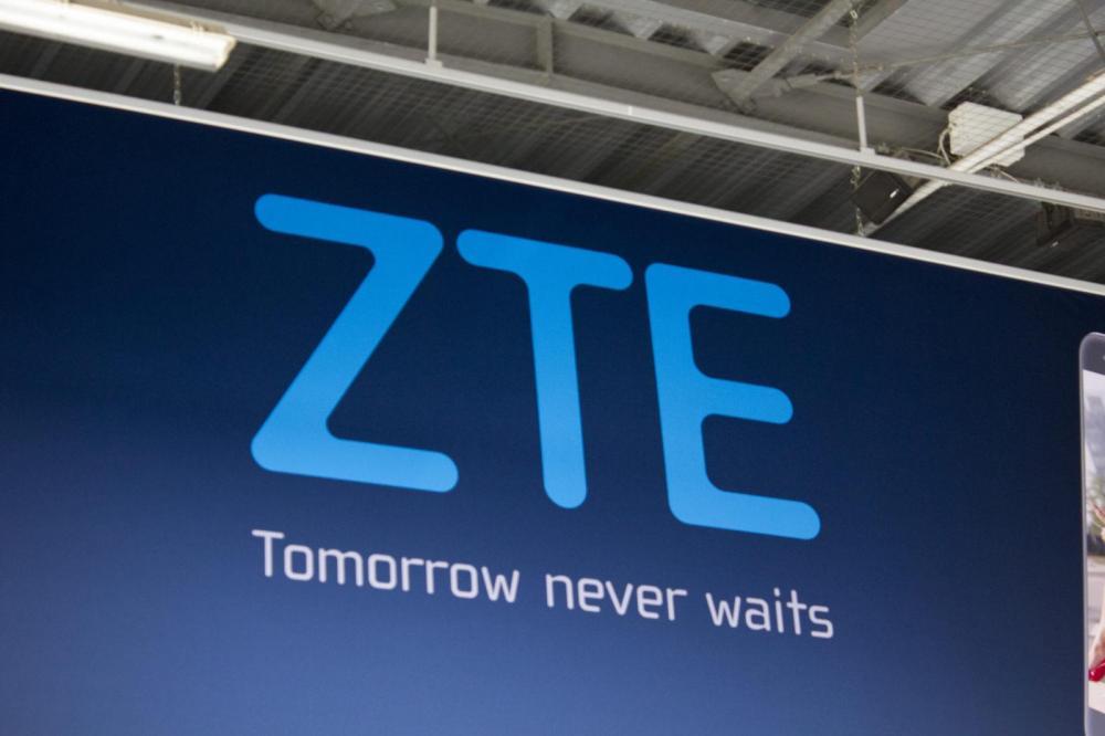 ZTE не смогла, смартфон Hawkeye отменили