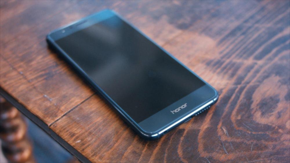 Huawei начинает раздачу Android Nougat для Honor 8 уже 16 числа
