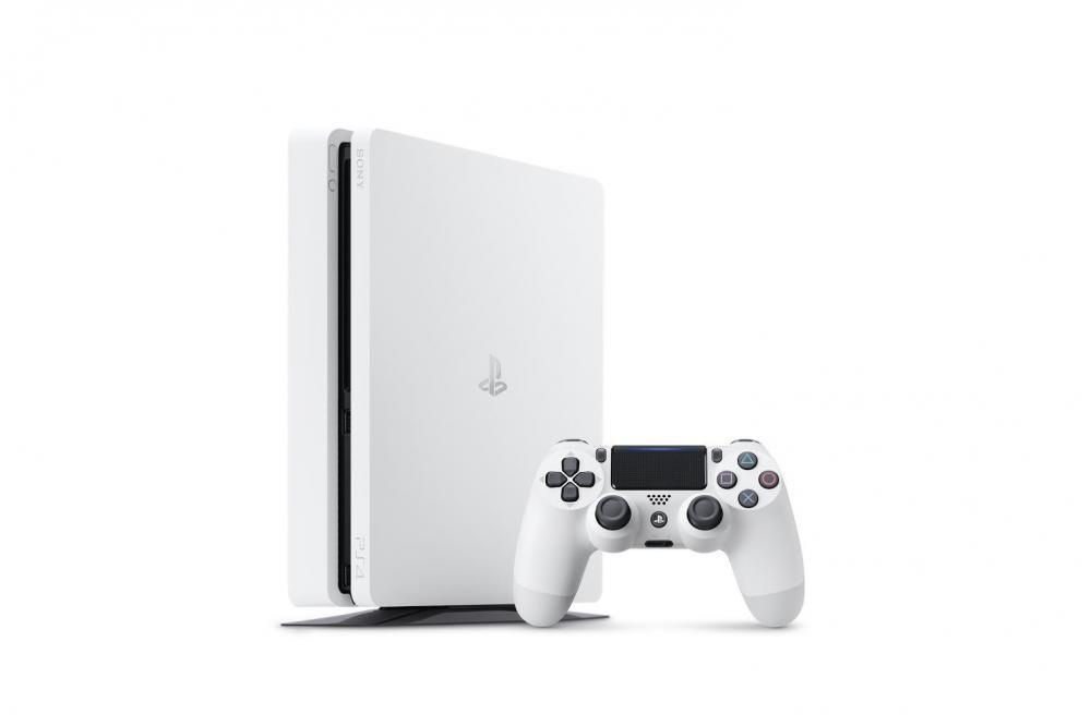 Sony PlayStation 4 предстала в белом