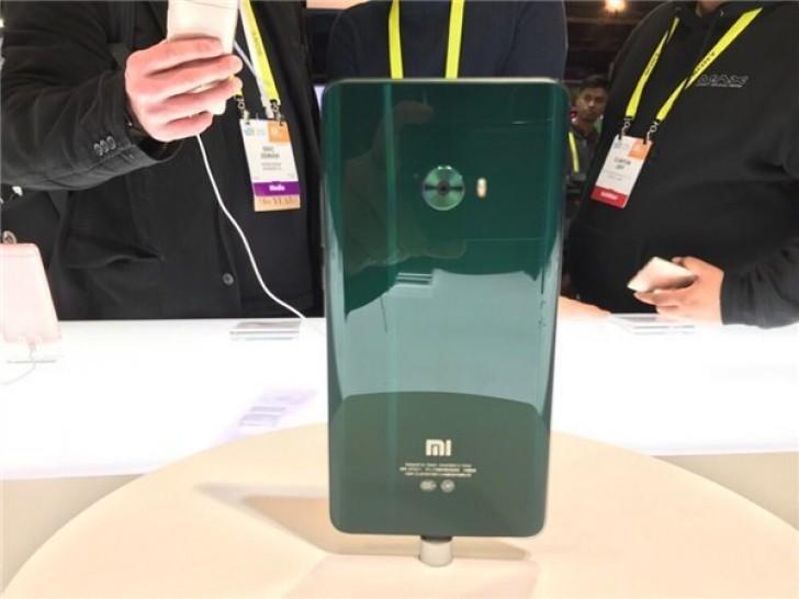 Xiaomi Mi Note 2 заиграл новыми красками