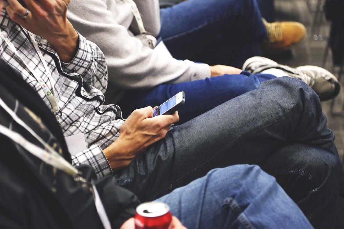 Американцы выпустили трусы для защиты мужчин от смартфонов