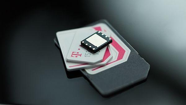 «МегаФон» пробует работать с eSim