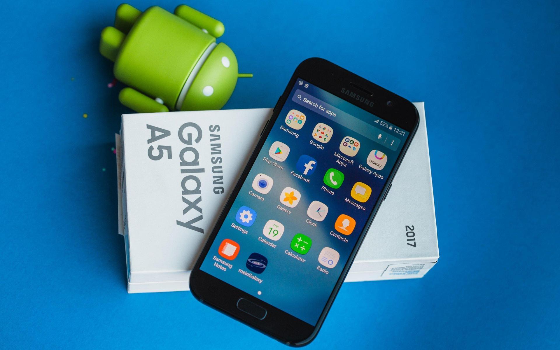 Лучшие 10 смартфонов изсредне-ценового сегмента за400$+ периодалето-осень
