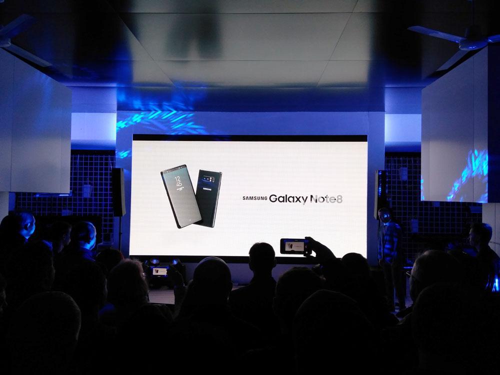 Samsung Galaxy Note 8 показали в России, запуск в магазины позже