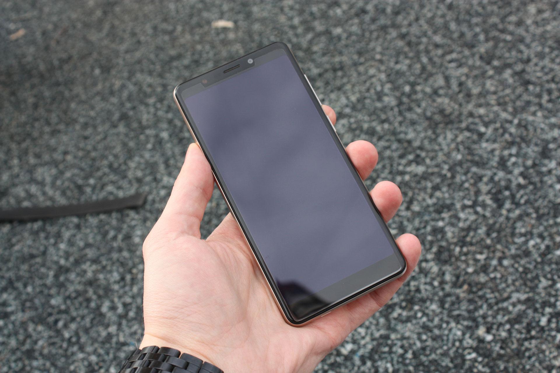 Обзор смартфона BQAdvance BQ-5500L