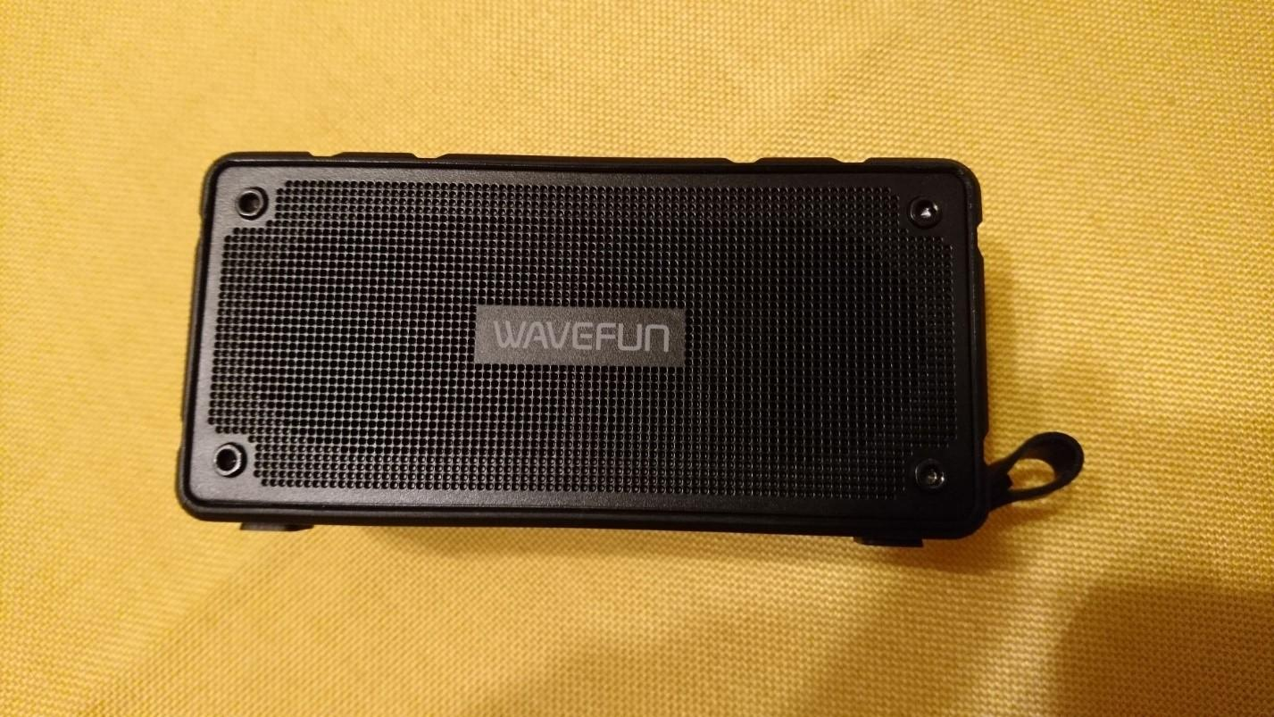 Защищенная портативная колонка WAVEFUN Cuboid