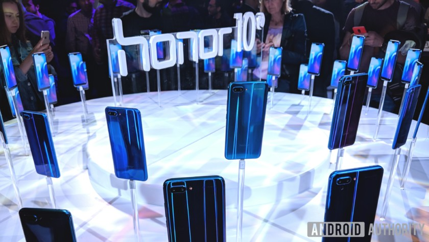 Huawei обгоняет попродажам сама себяврамкахбренда исуббрендавКитае