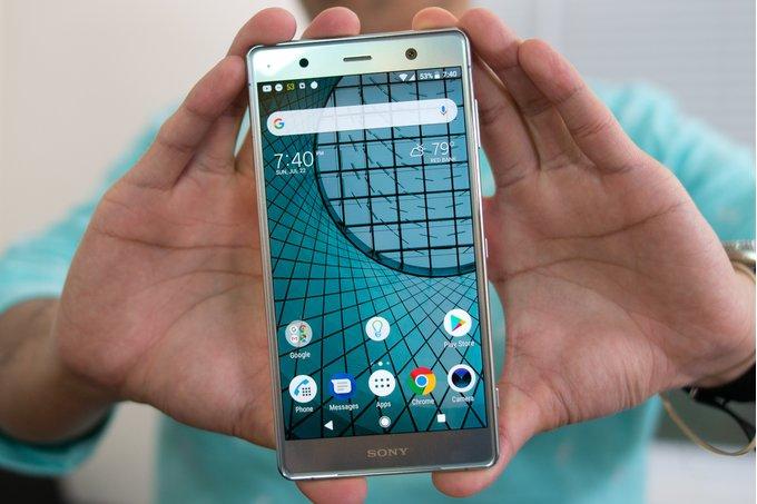 Один изсамых крупныхфлагманов 2018 года — Sony Xperia XZ2 Premium