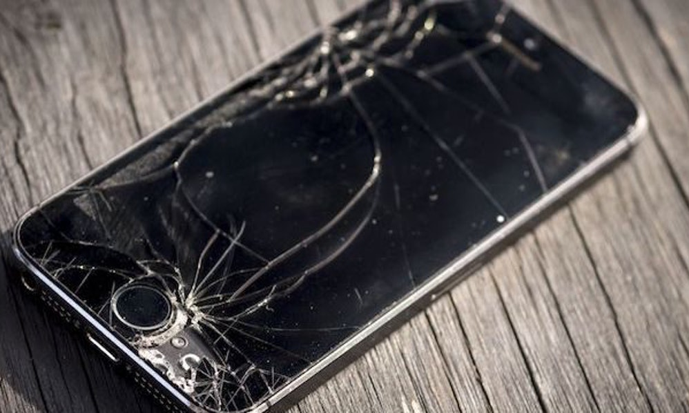 Смартфоны ломаются :( Теперь известно укого икакие модели чаще других