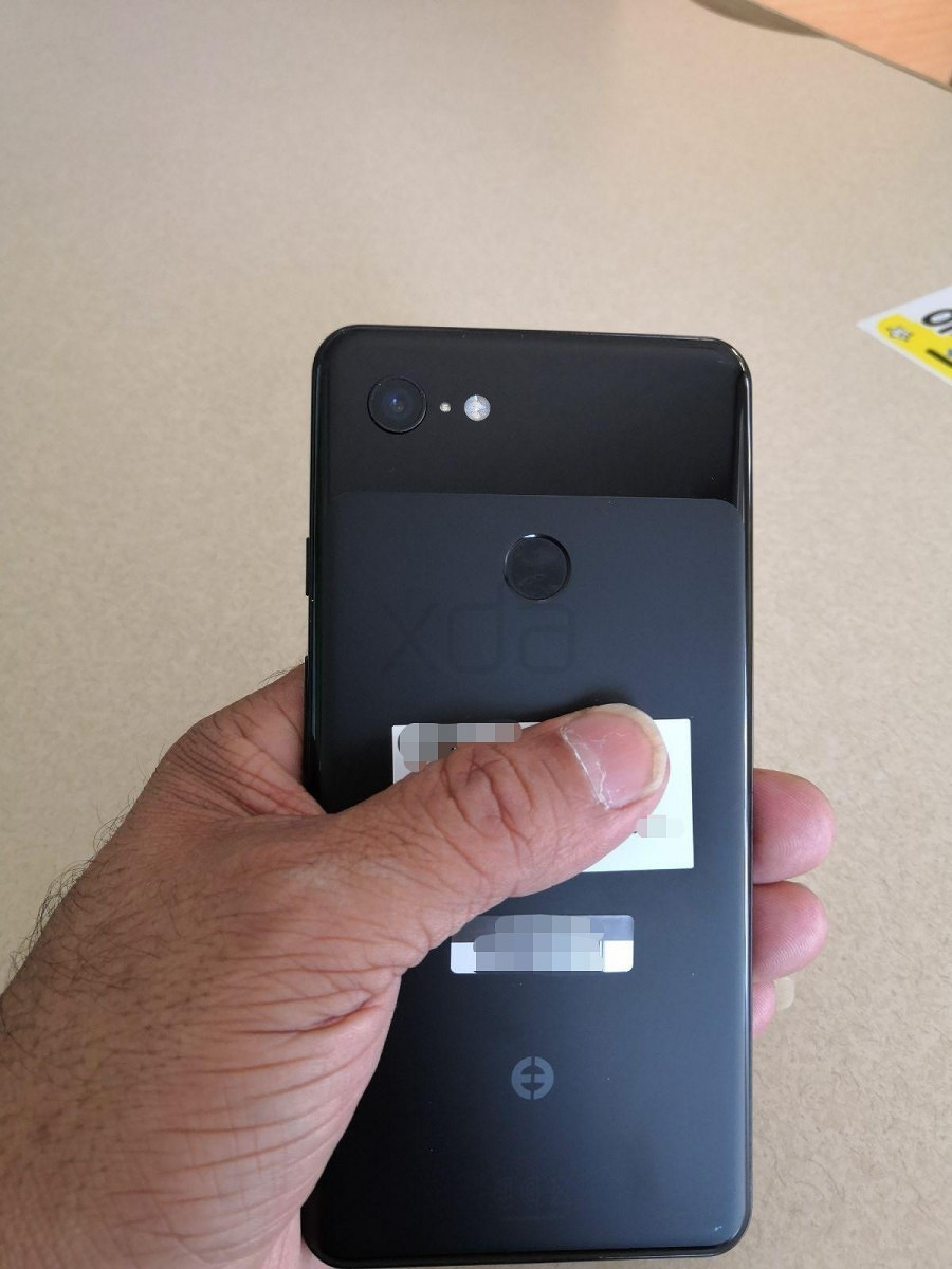Google Pixel 3, Pixel 3 XL: живые фото икрупицы данных