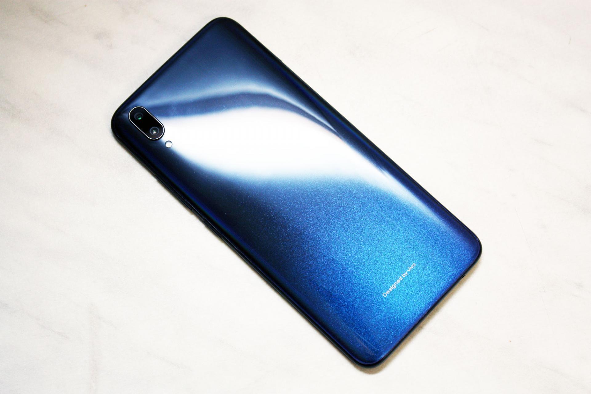 Обзор итестированиесмартфона Vivo V11