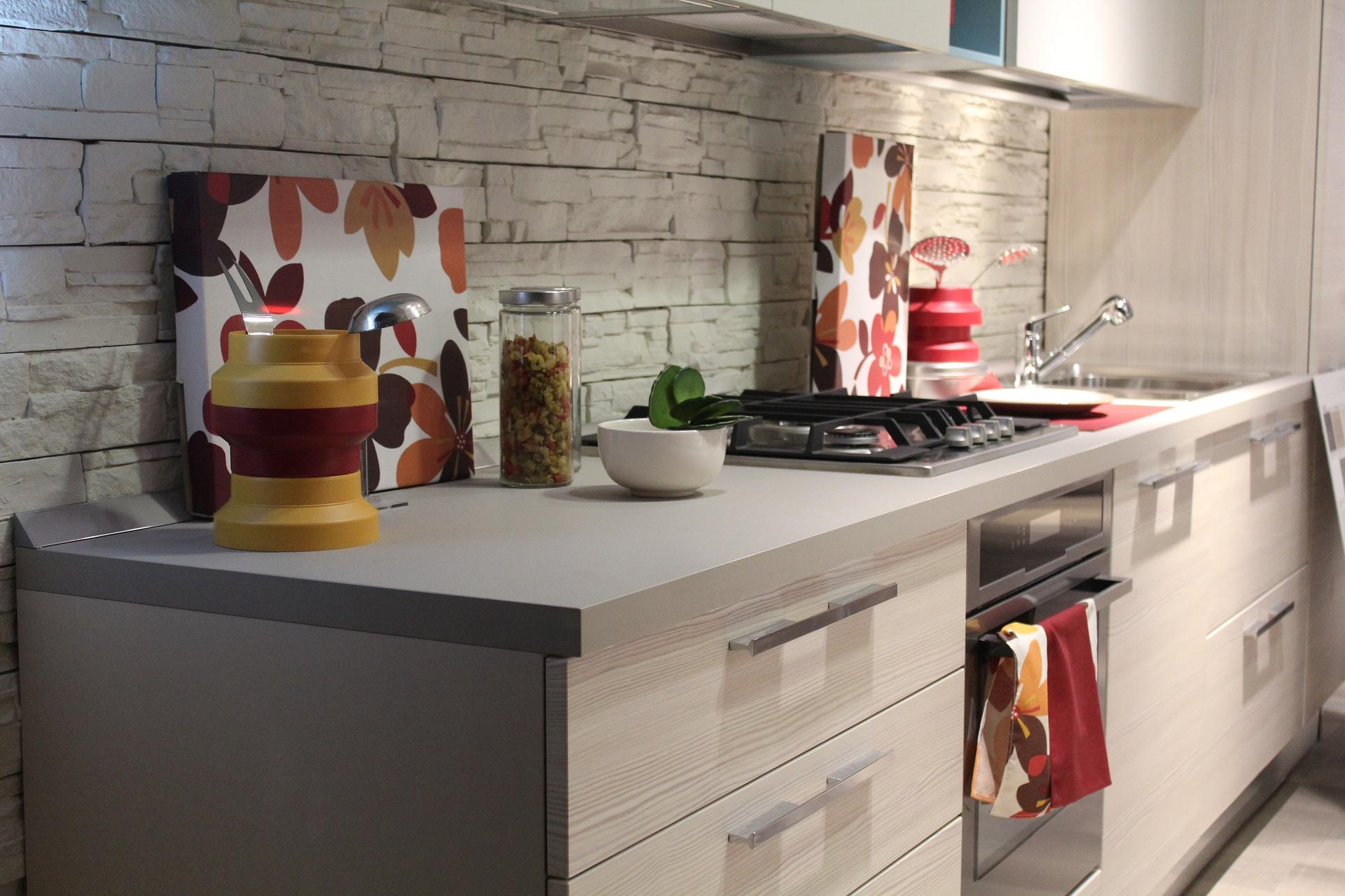 Оптимизация пространства кухни: 3 эффективных лайфхака