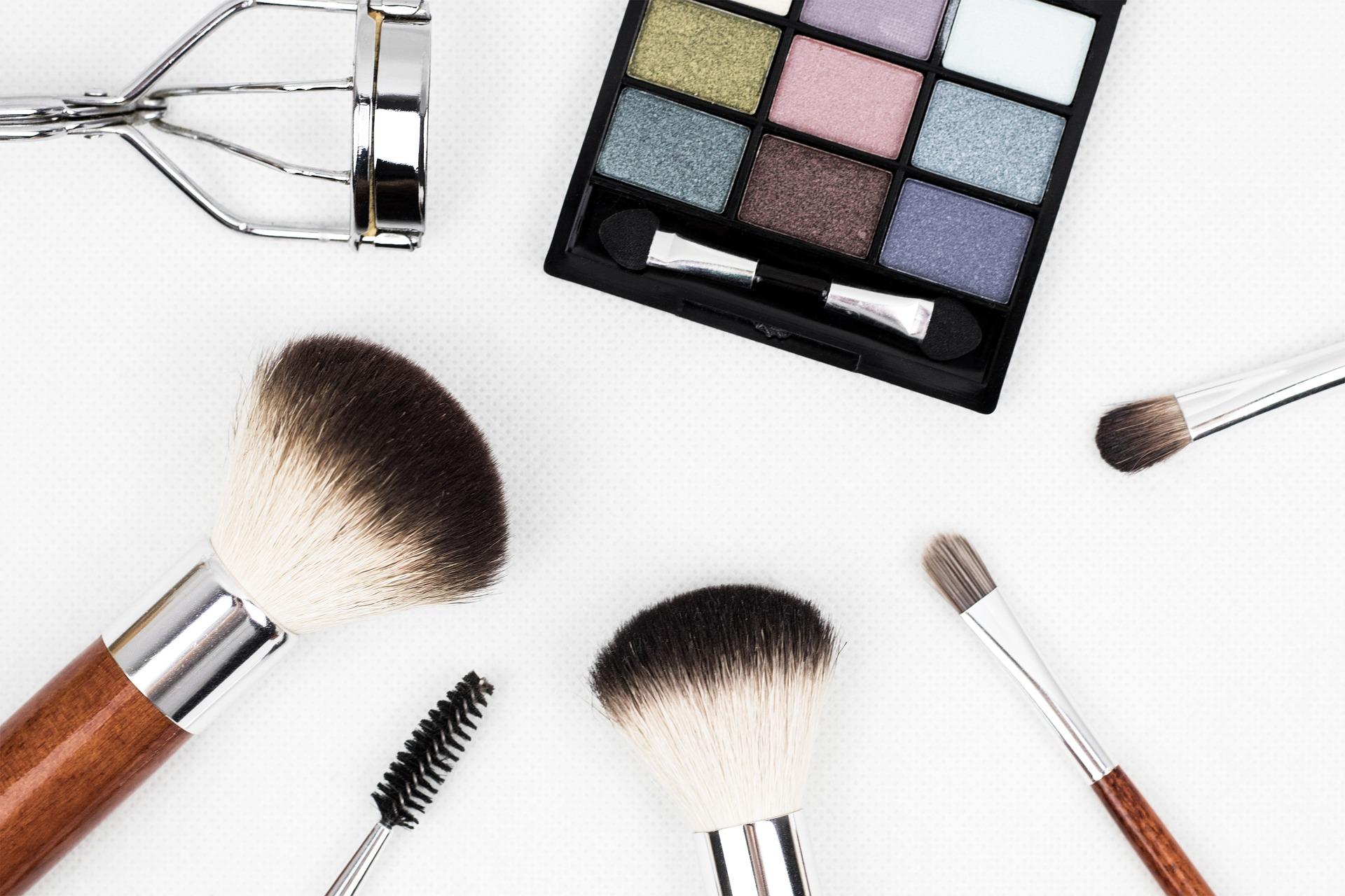5 реальных советов, чтобы скрыть последствия недосыпа спомощью макияжа