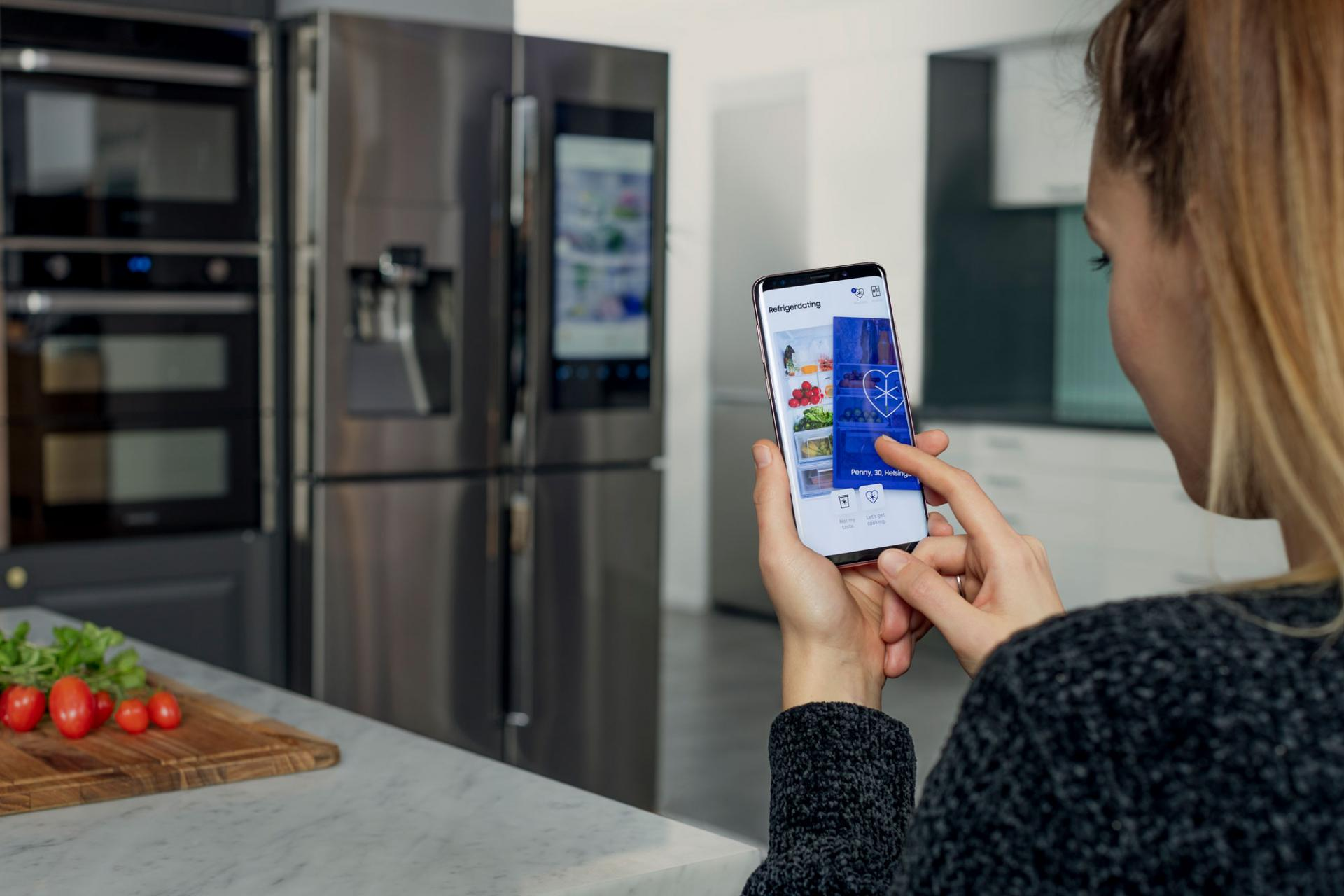 Samsung запустила приложение знакомств Refrigerdating посодержимому холодильника