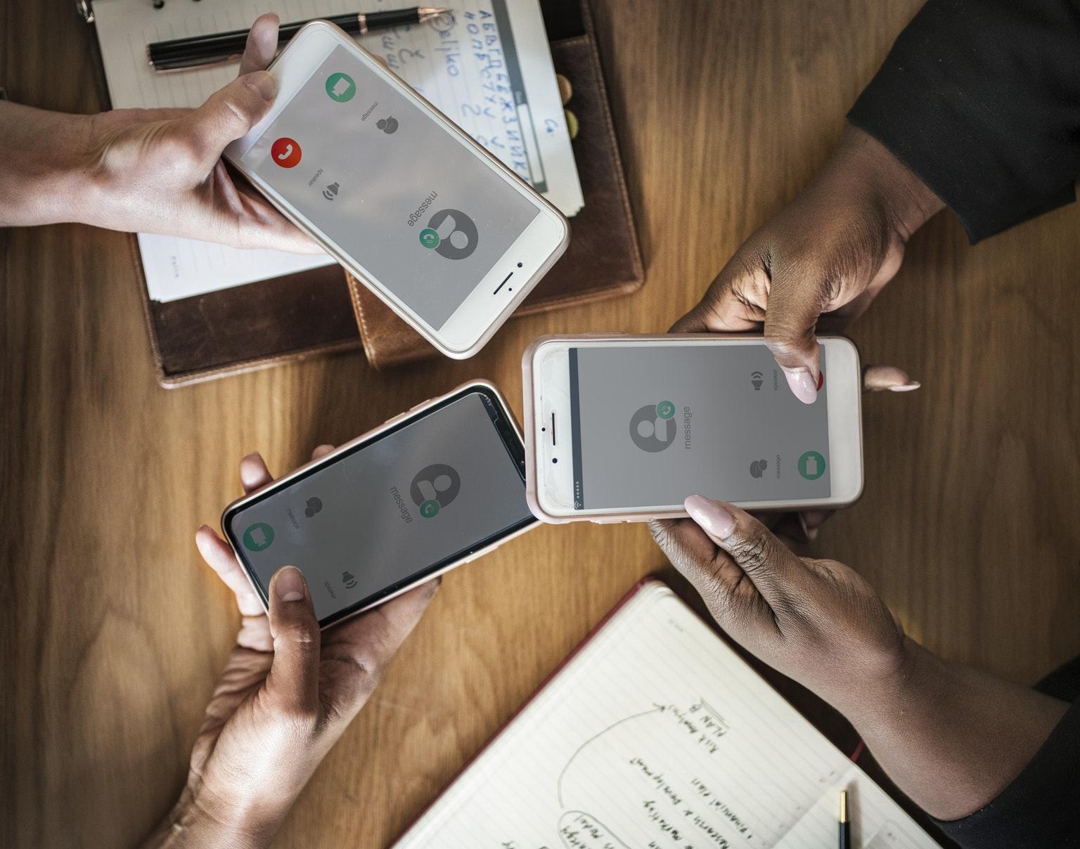 Смартфоны каких брендов сегодня хорошо продаются вРоссии?