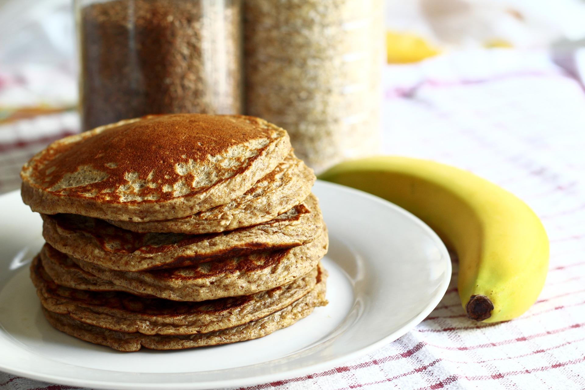 Диетический завтрак за5 минут: банановые оладьи без сахара имуки
