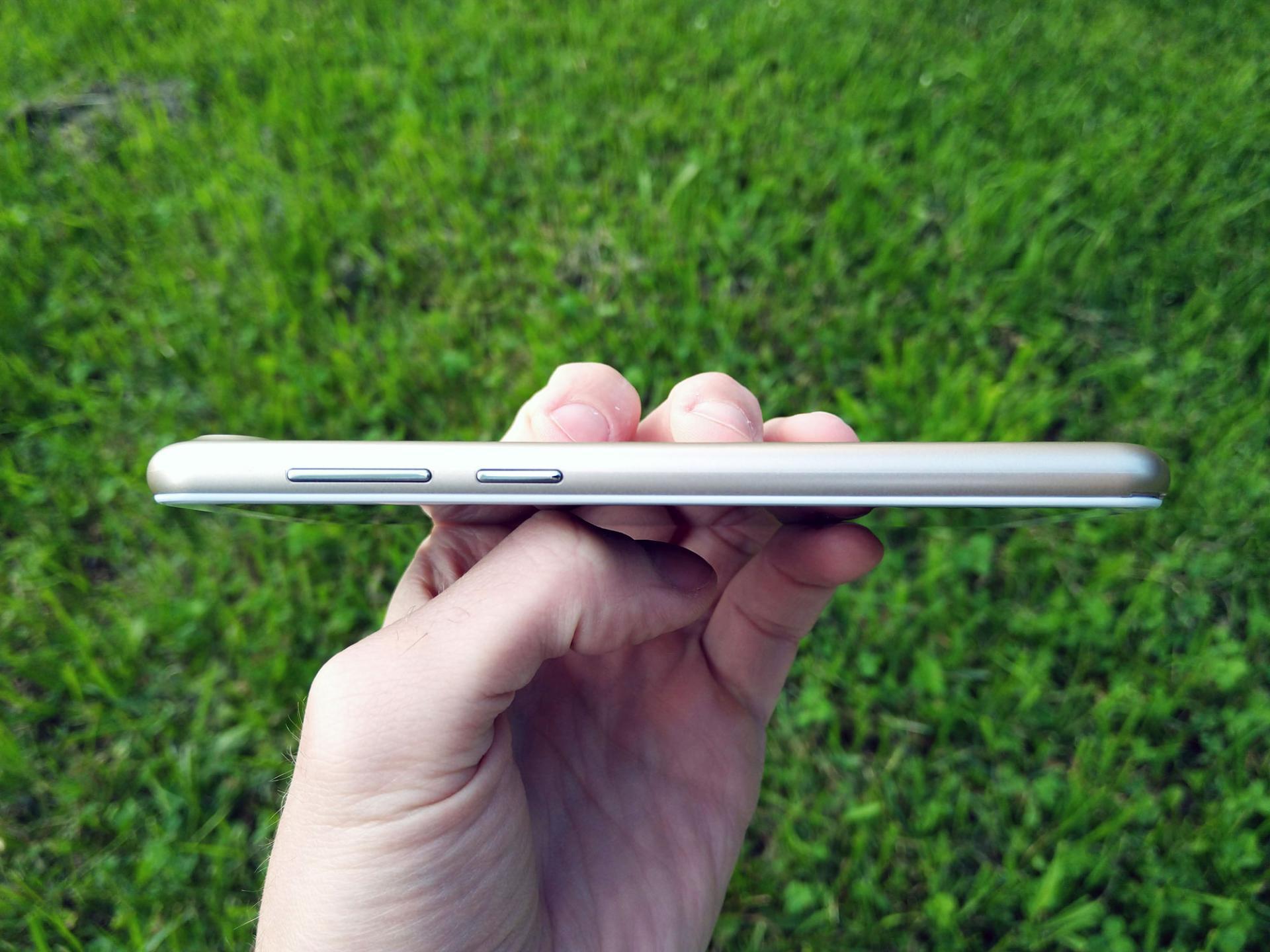Обзор смартфона INOI kPhone