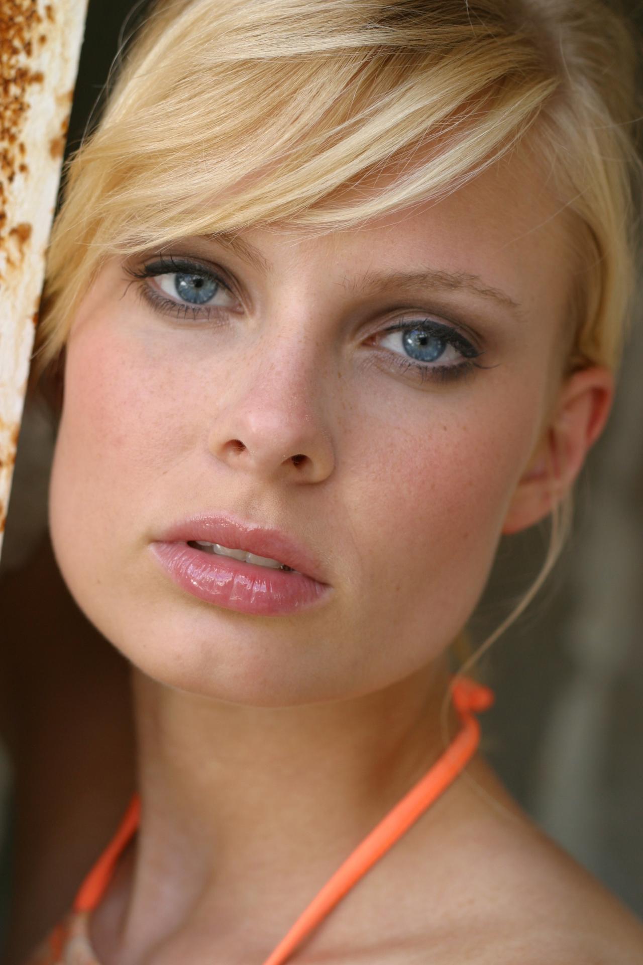 Как сделать лицо стройнее: топ-5 простых иэффектных причесок
