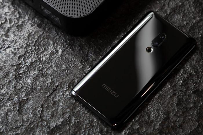 Смартфон без кнопок иразъёмов провалился. Meizu Zero оказался ненужен
