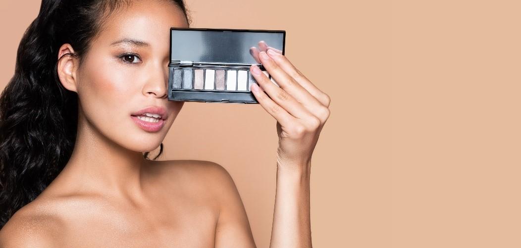 Бренд ТВОЕ запустил линейку декоративной косметики иаксессуаров