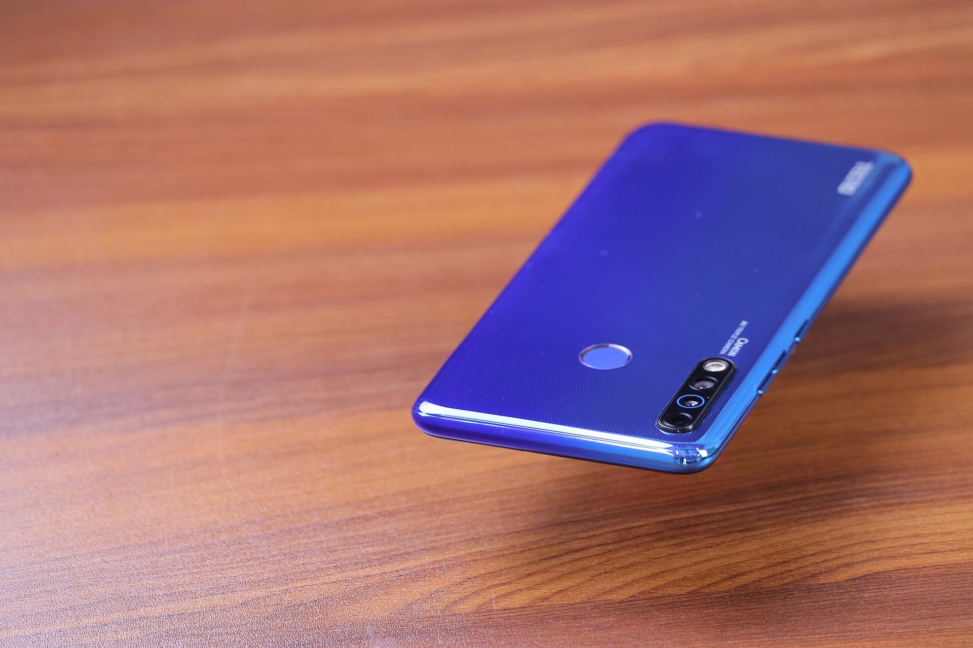 Названы 10 самых интересных смартфонов 46 недели
