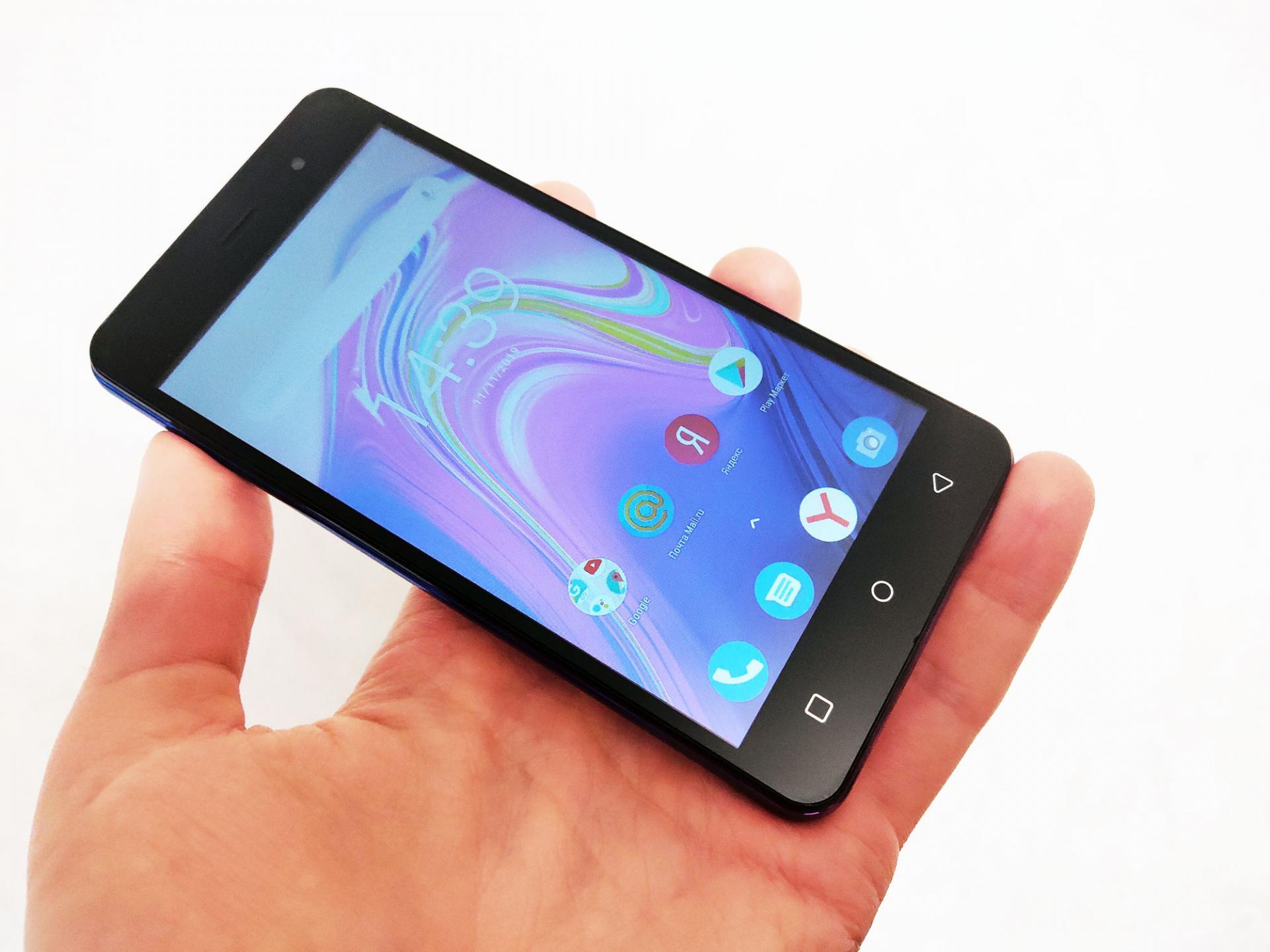 Обзор смартфона INOI 2 Lite