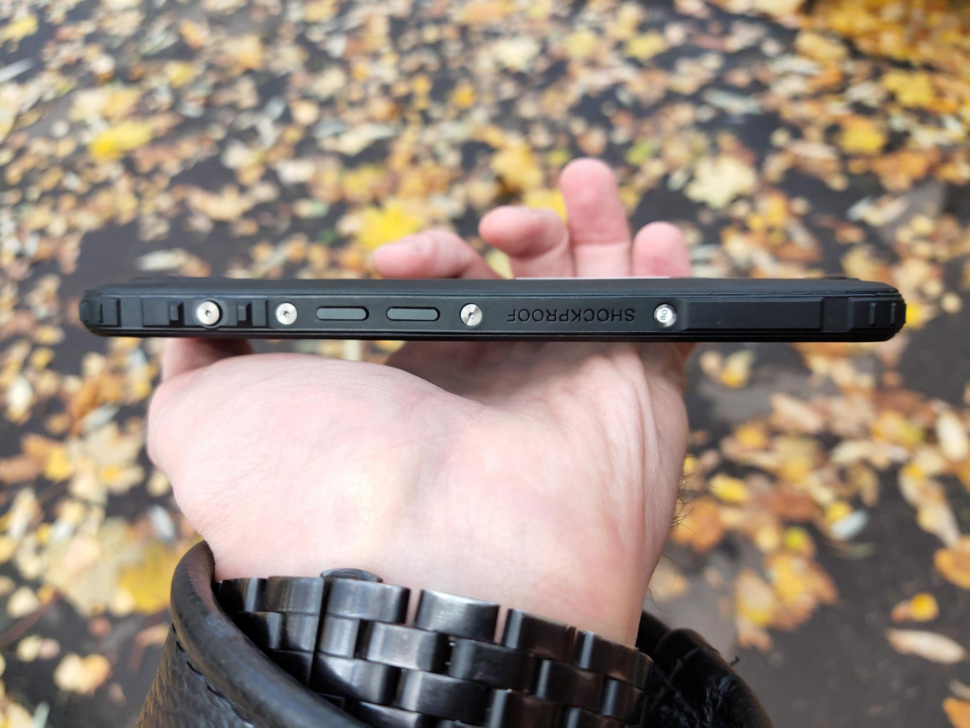 Обзор защищённого смартфона BQShark Rush (5541L)