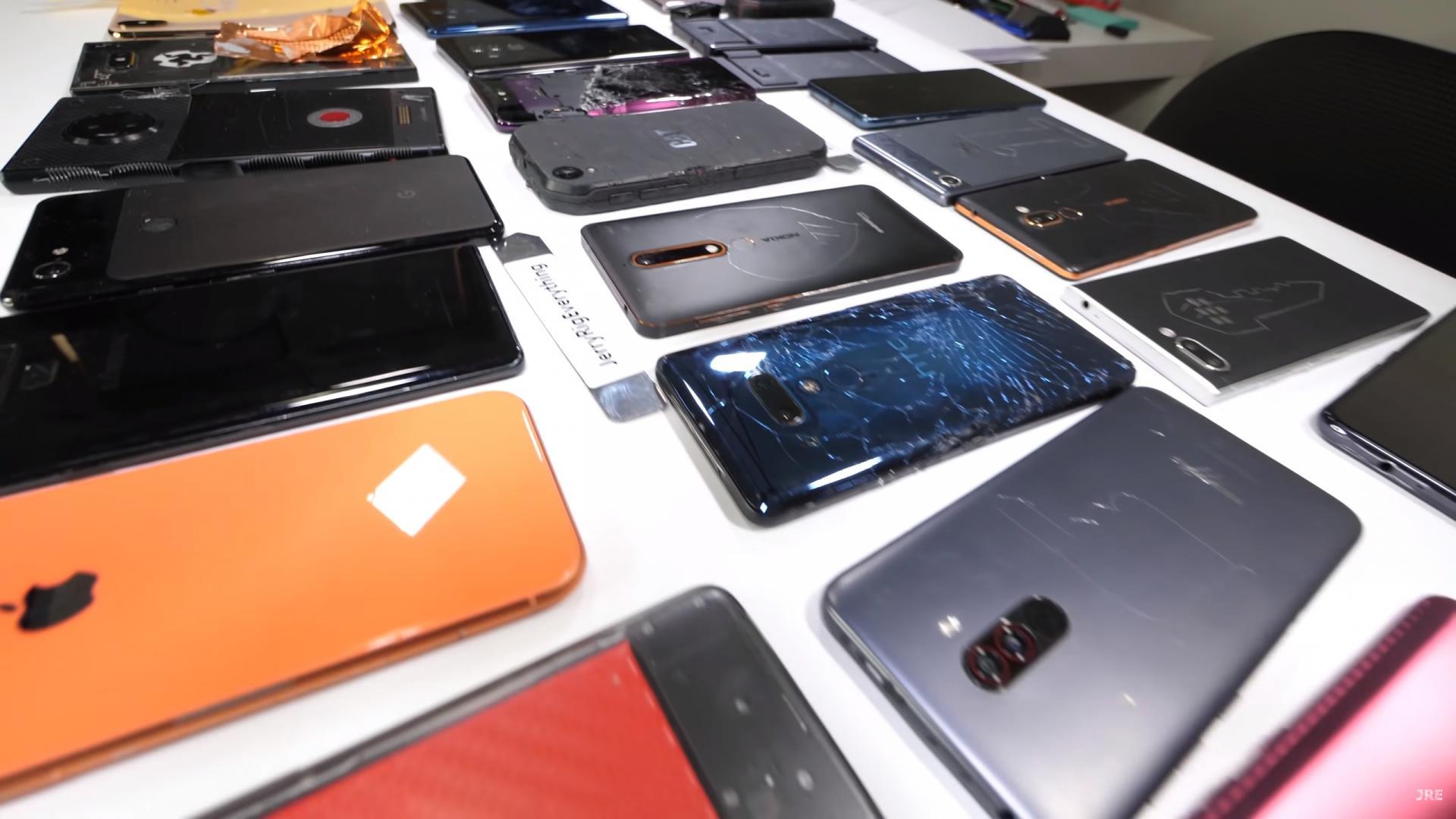 10 лучших смартфонов порейтингу Роскачества