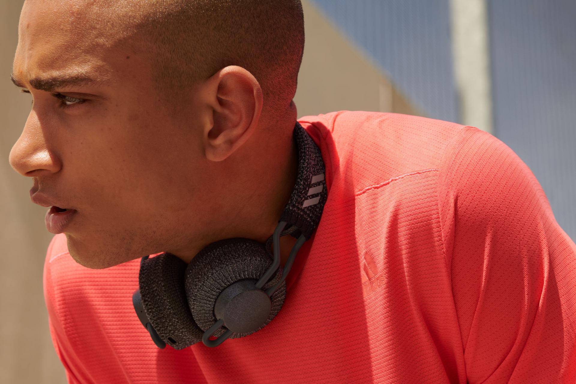 Adidas иZound Industries представили беспроводные наушники