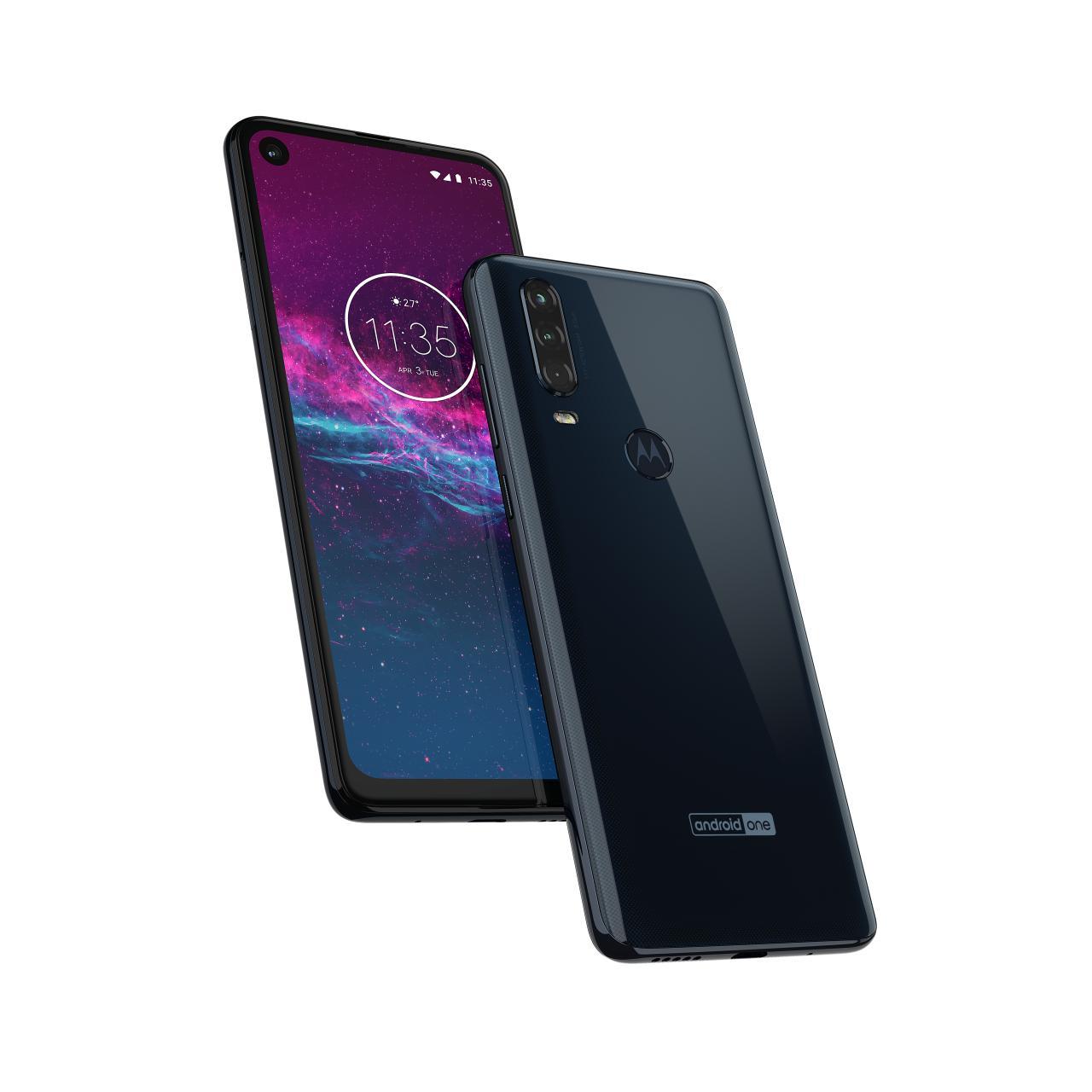 Motorola One Action поступает впродажу вРоссии за18990 рублей