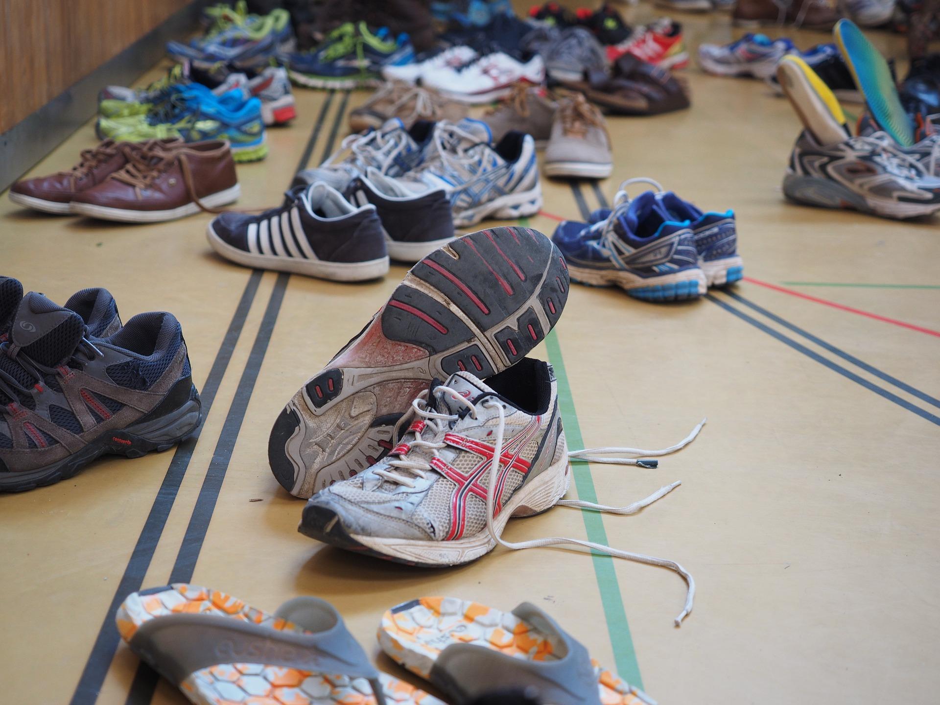 Кеды или кроссовки: что лучше купить?