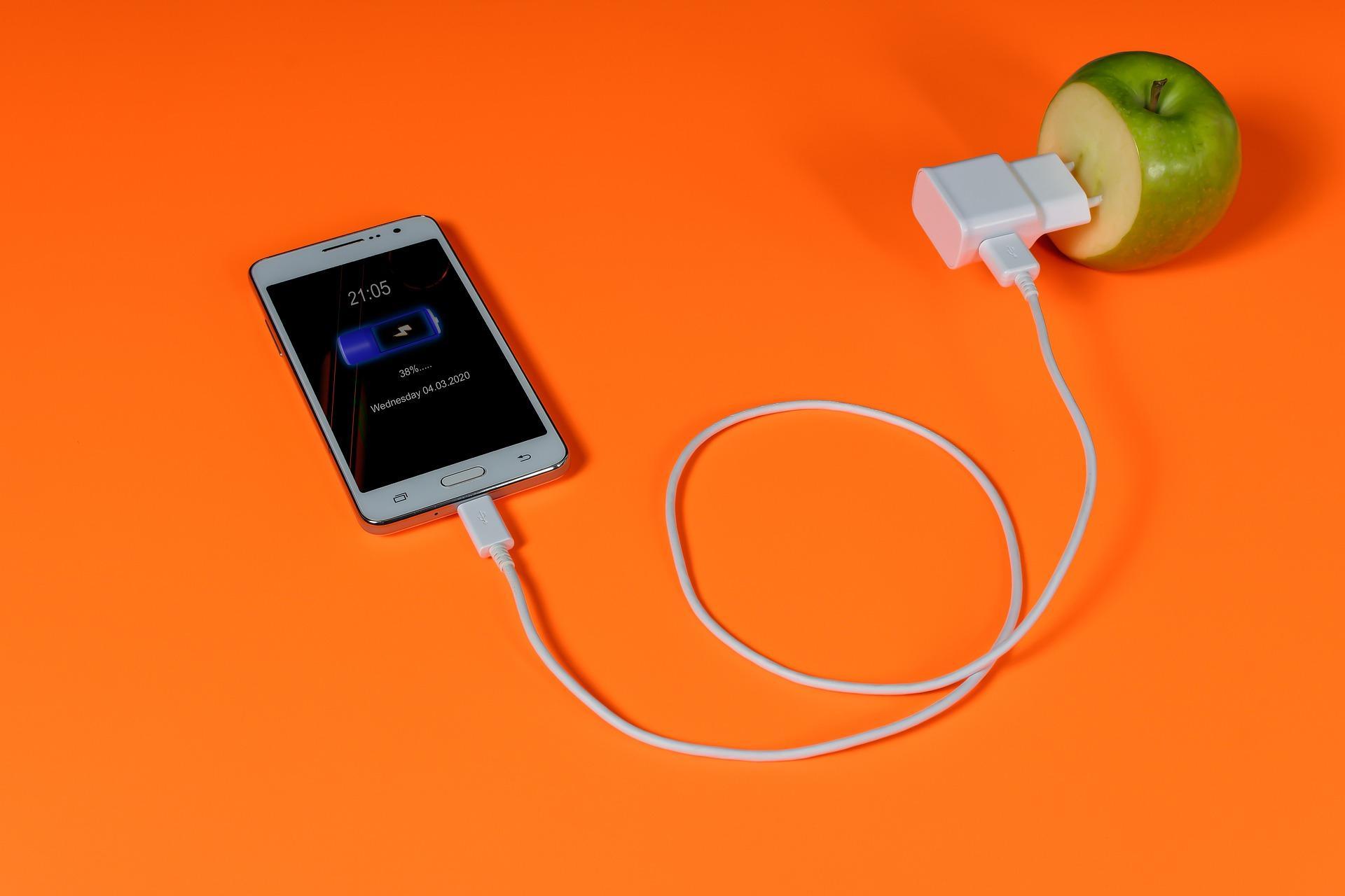 Samsung представила более надежные иэнергоемкие аккумуляторы