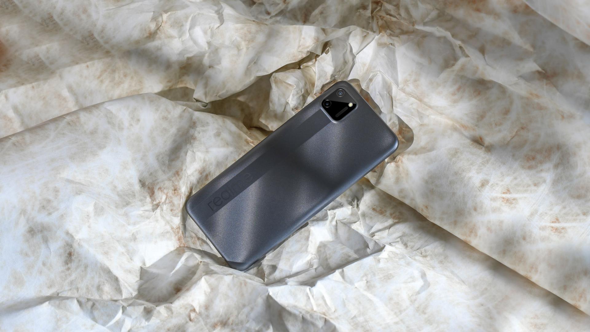 Новый смартфон realme C1 стоимостью менее 10 тысяч рублей