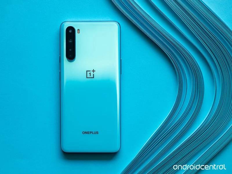 Обои сOnePlus Nord можно скачать иустановить налюбой другой смартфон