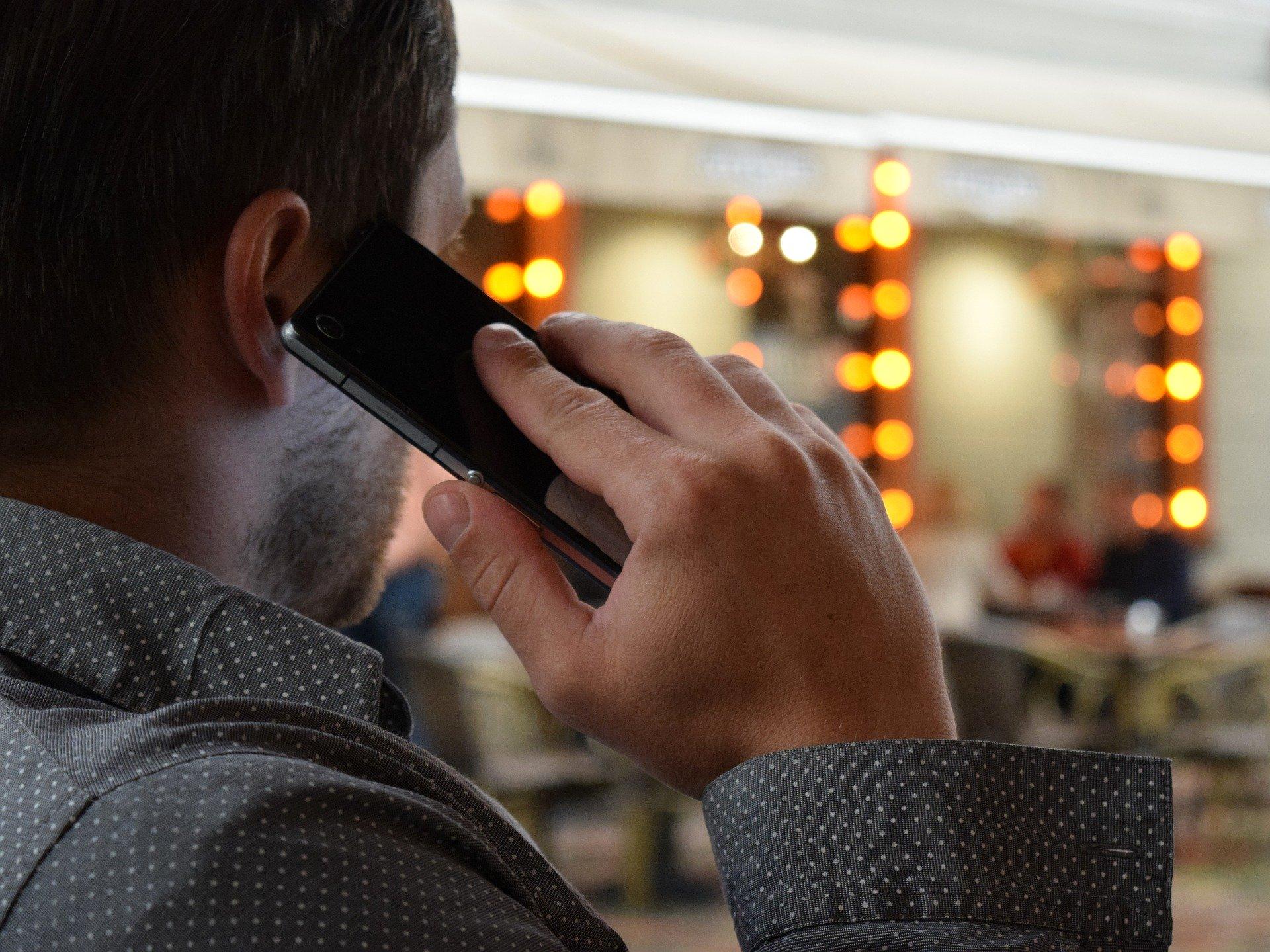 Google скоро научит смартфоны записывать телефонные разговоры