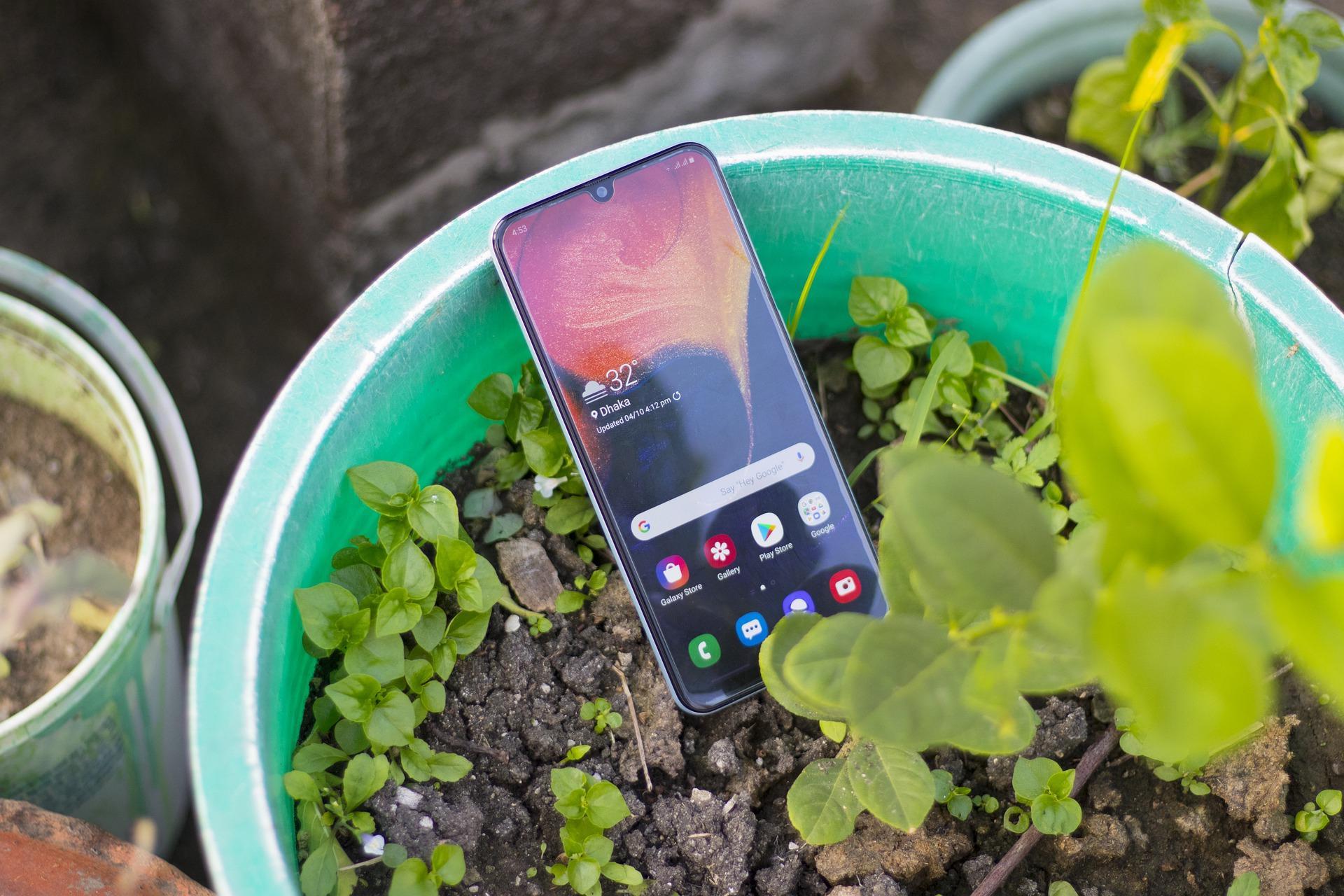 Названы самые мощные смартфоны июня. Сколько они стоят?