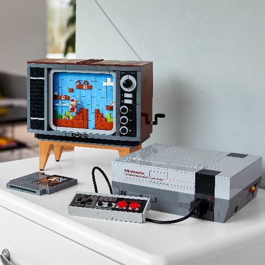 Проводники вдетство: игровая консоль Nintendo Entertainment System иретро-телевизор изкубиков LEGO